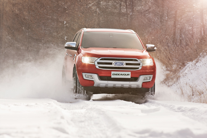 Ford_endeavour_snow_running